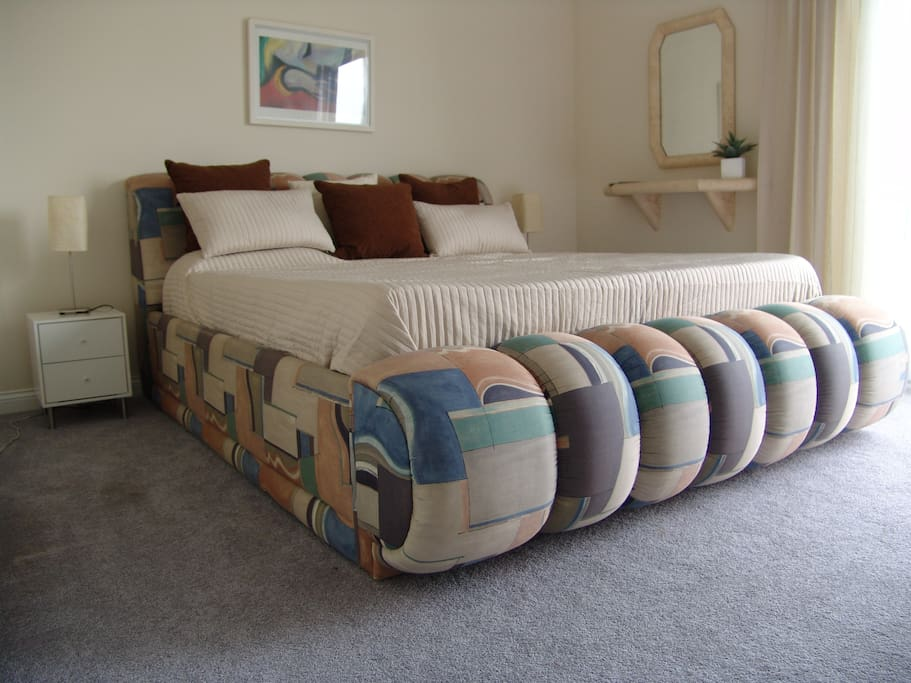 6/6 king size bed in master bedroom