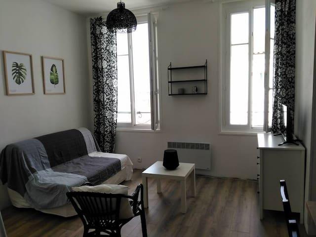 Appartement neuf 35m² 50m de la plage vue mer