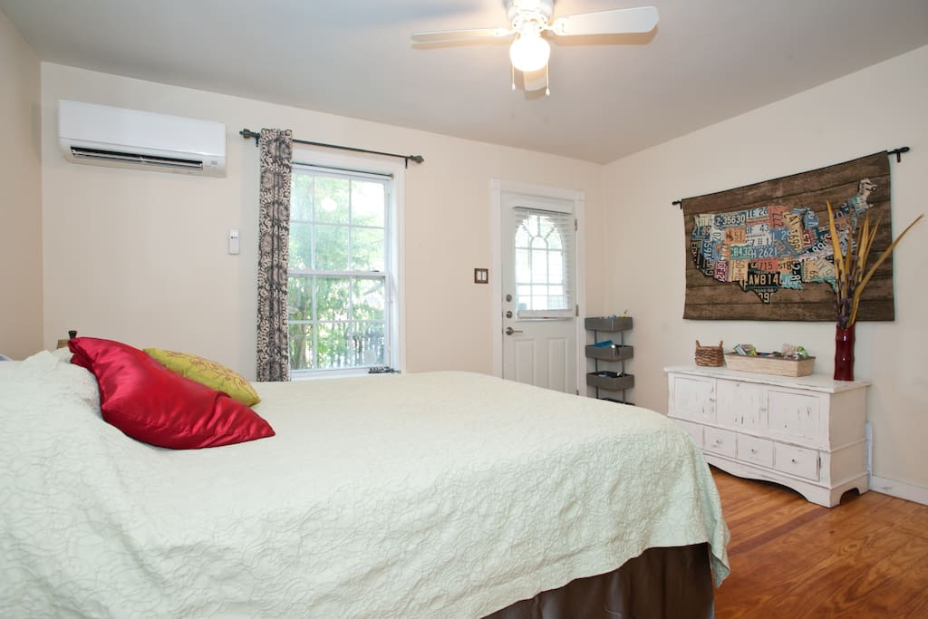 This fantastic suite has it's own private entrance, AC / Heat Unit, Retro Style TV, Stocked Refrig, Micro Wave and lot's of snacks.and courtyard for the ultimate in guest privacy.