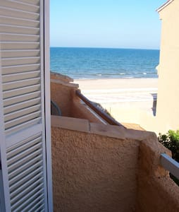 bungalow on the front line of beach - Sueca