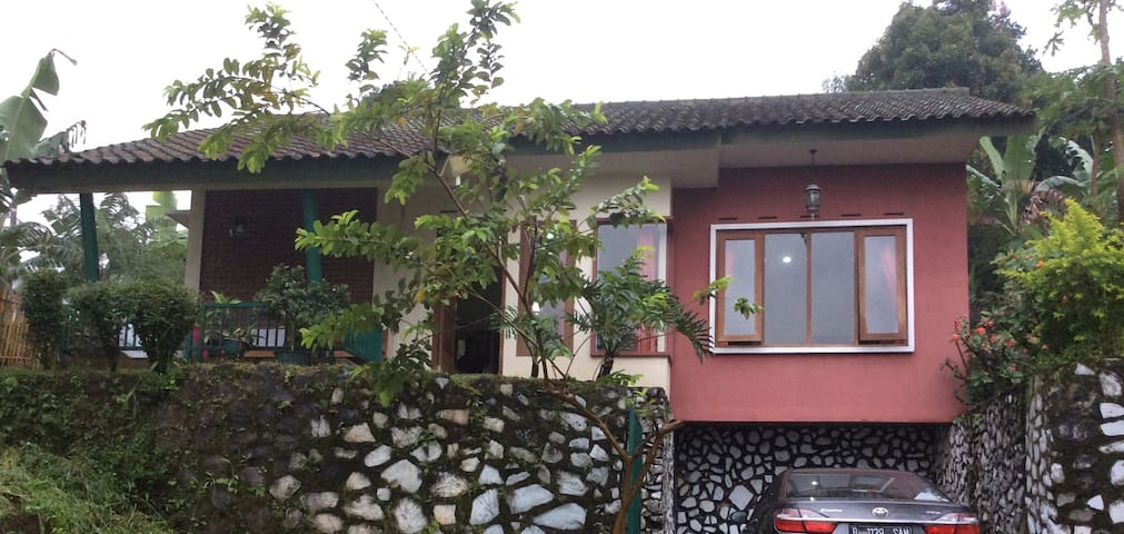 Ma Petite Maison Awiligar Bandung Utara Official House In Bandung Indonesia 2 Bedroom 2 Bathroom