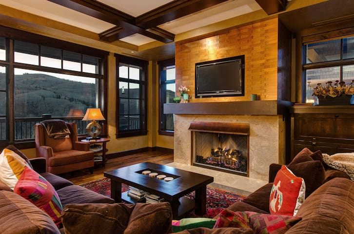 Deer Valley VALUE!Flagstaff-Awesome Views-Lux-Happy Hour-Breakfast-Dial a Ride - Park City - Huoneisto