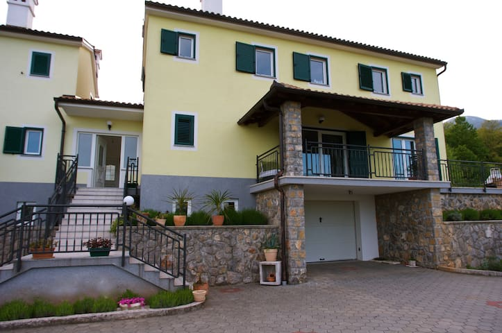 Family house near Opatija - Poljane - 一軒家