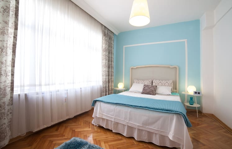 close to CNREXPO/airport/wowhotel - İstanbul - House