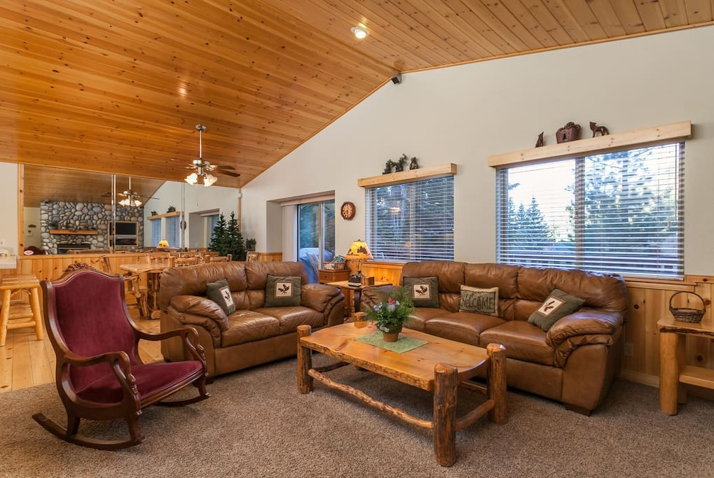 Great Open floor plan for the entire family to be together.