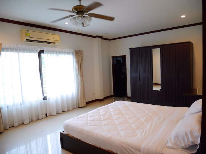 Pool villa house for rent weekly / monthly @Huahin