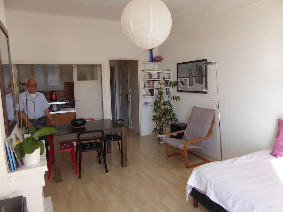 studio 30m2 nice centre ville appartements louer nice provence alpes c te d 39 azur france. Black Bedroom Furniture Sets. Home Design Ideas
