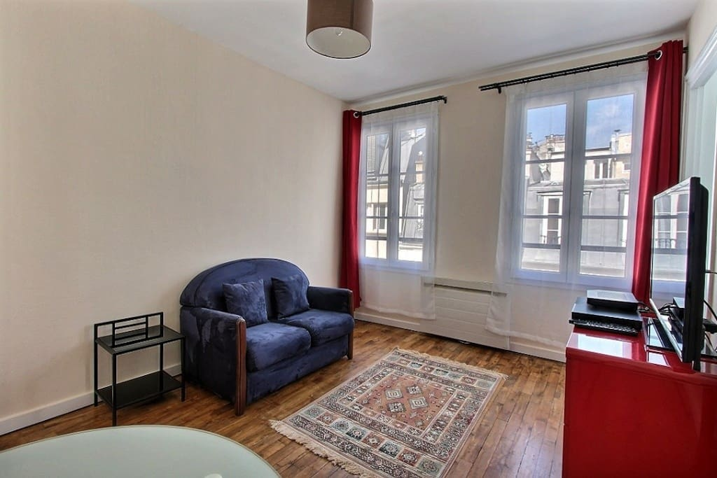 Chez bosquet near eiffel tower 30 sqm apartments for for Chambre de 9 metres carres