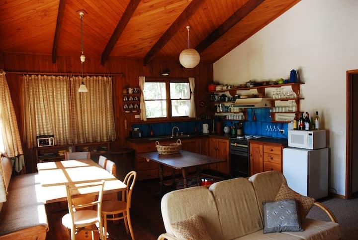 Kaffli Lodge, Sawmill Settlement