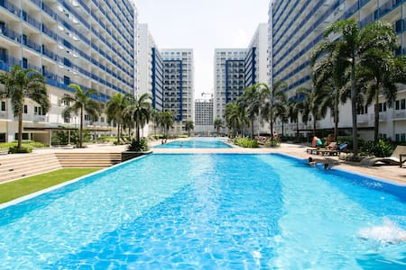 2 Bedroom Condo Across Mall of Asia - Manila - Lakás