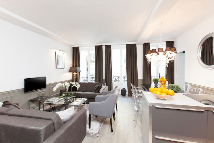 THE RESIDENCE - LUXURY 3 BEDROOM PARIS CENTER 1