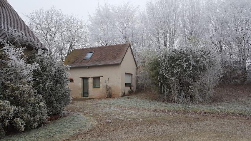 Studio dans un cadre champêtre, à 20 min du Mans. - Brains-sur-Gée - Dům
