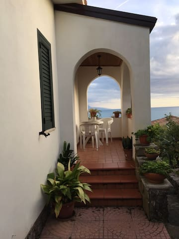 Wonderful Mansion: near the sea - Villammare - 別荘
