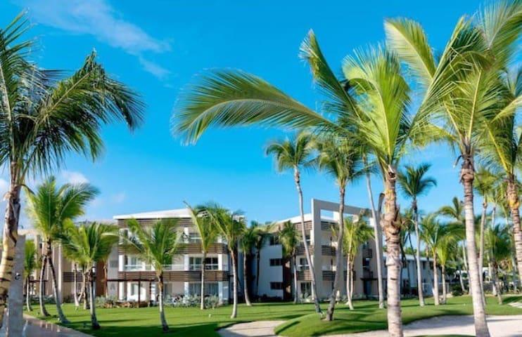 Punta Cana, Blue Beach L 101 Beachfront Apartment