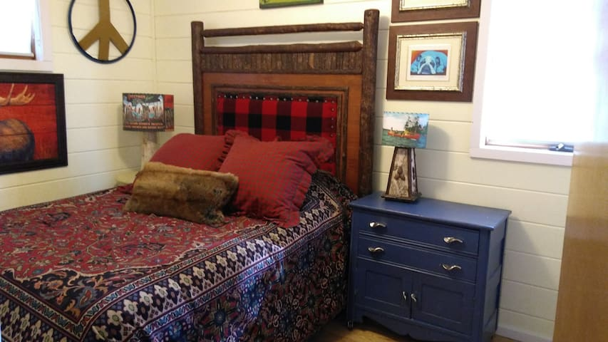 Spruce Chalet Bedroom 3 (full)
