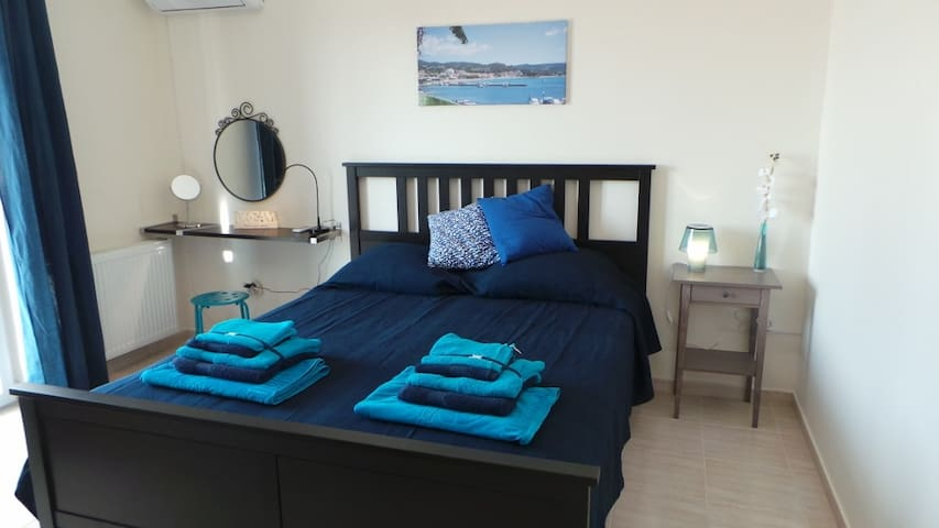 Bed room with airco and terras