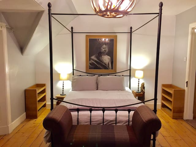 Artist's apartment in Former Temperance Hotel - Aberfeldy - Apartment