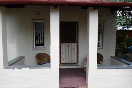 Aletta - Hartbeespoort
