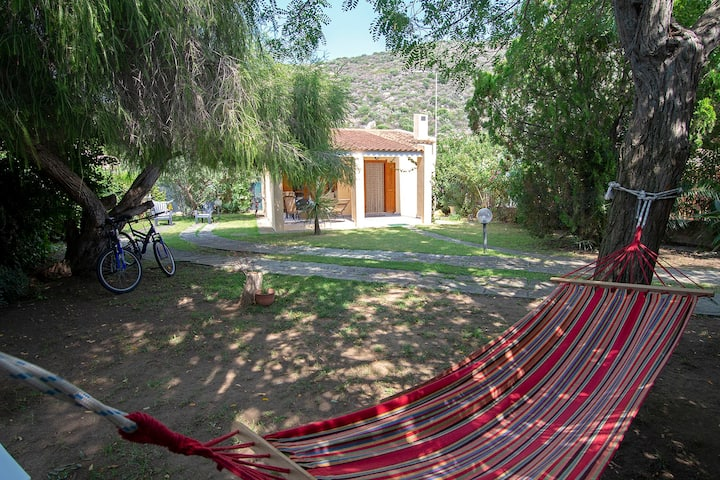 Holiday Home 'Villetta a Geremeas' with Wi-Fi, Air Conditioning, Garden & Terrace; Parking Available