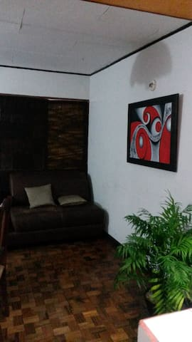Room available on shared apartment. - Heredia - Apartamento