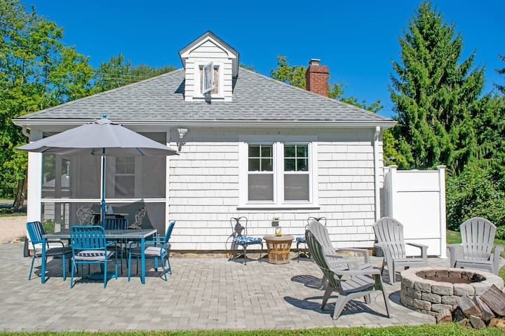 Two Bedroom Cottage, Firepit, Walk to Beach South Ferry Beach