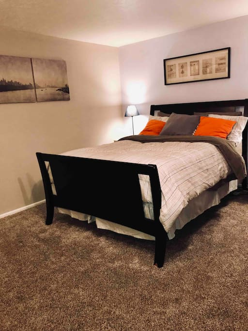 Queen bed  Heated blanket