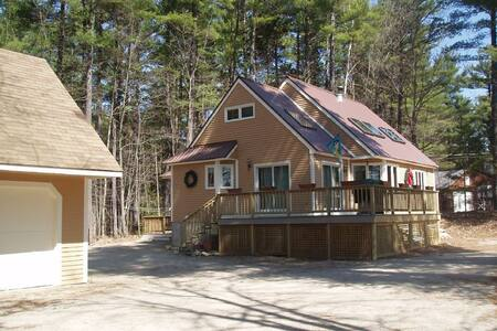 North Conway House. Walking distance to Echo Lake!