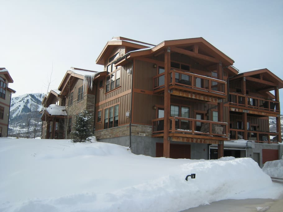 The condo is the perfect mountain setting for your ultimate ski vacation