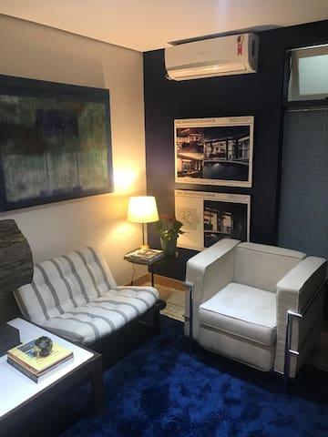 Apartamento próximo a Av. Paulista e hospitais.