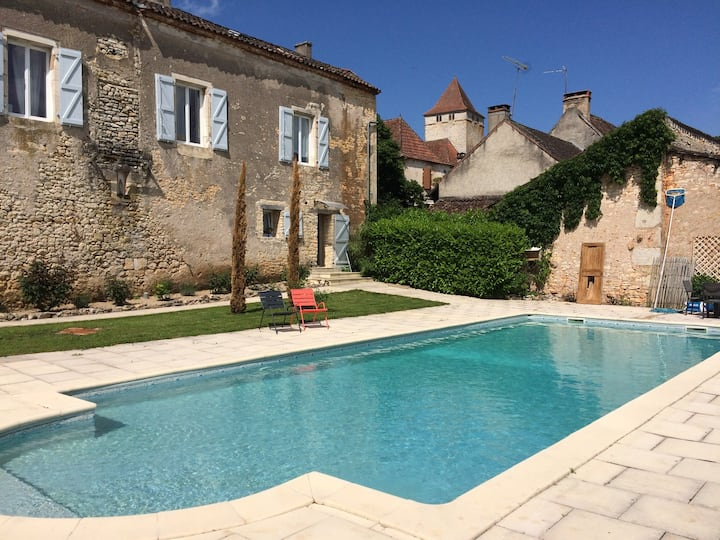 Gîte 2/4 pers proche Cahors, piscine chauffée