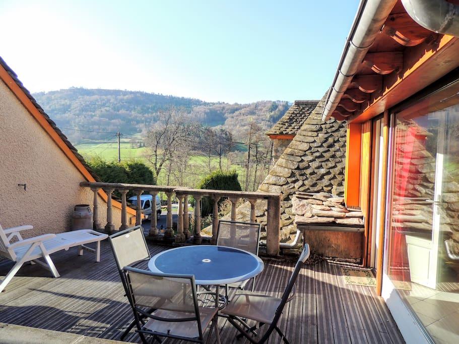 Petite maison de style montagnard maisons louer murat auvergne rh ne alpes france for Cuisine style montagnard