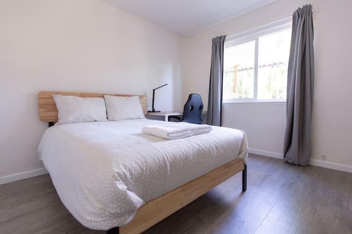 4372 Private Room 1