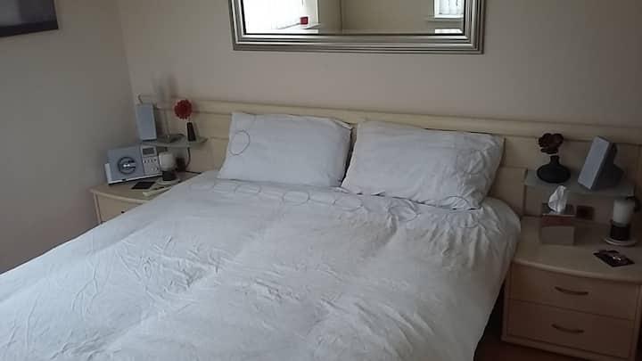 Chillax @ Riverside House Private Room 5