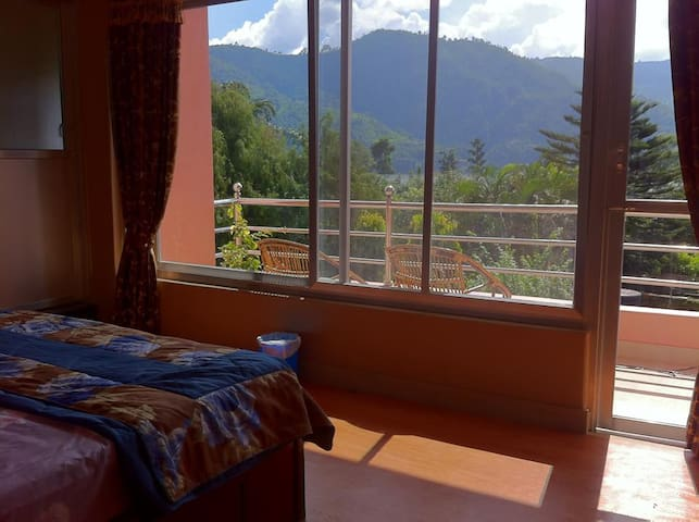 Apart on the mainstreet Lakeside - Pokhara - Apartamento
