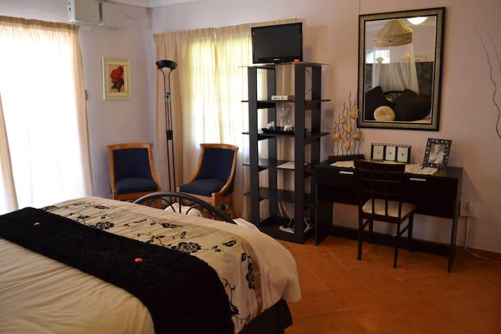 Royal de Swan Relaxing Guesthouse