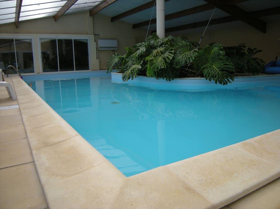 Huge indoor heated pool, U-shaped, equivalent 15.5 x 6metres!