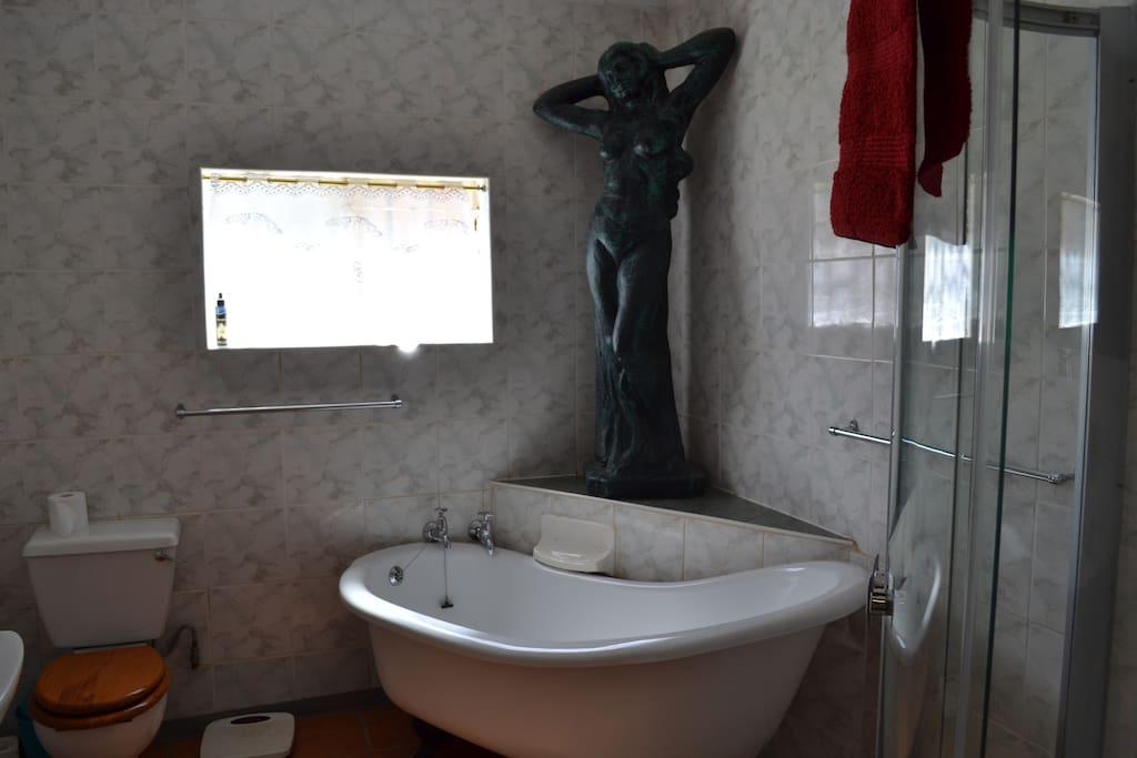 Bathroom to room 7