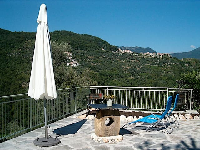 Stone House reformed with charme, confort and view - Borghetto d'Arroscia - Vila