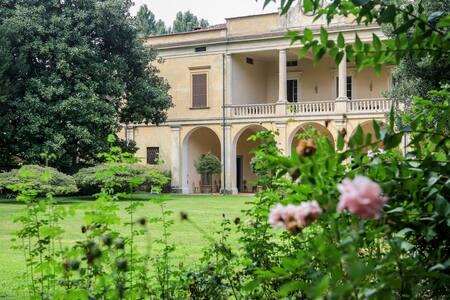 Villa Longo: fascino...per 4  - Faverzano