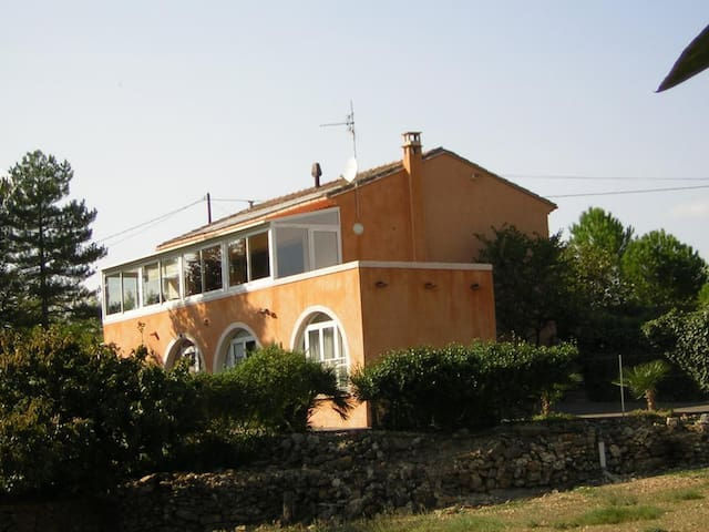 GÎTE RURAL 3 agréé Gîte de France - Bédarieux - บ้าน