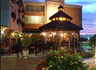 Platino Hotel & Casino - Santiago de los Caballeros