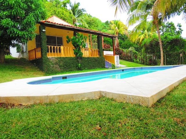 Best Beach House in a Private zone - Santa Tecla - Huis