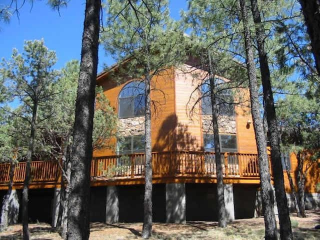 Chalet in the Pines at the Mogollon Airpark