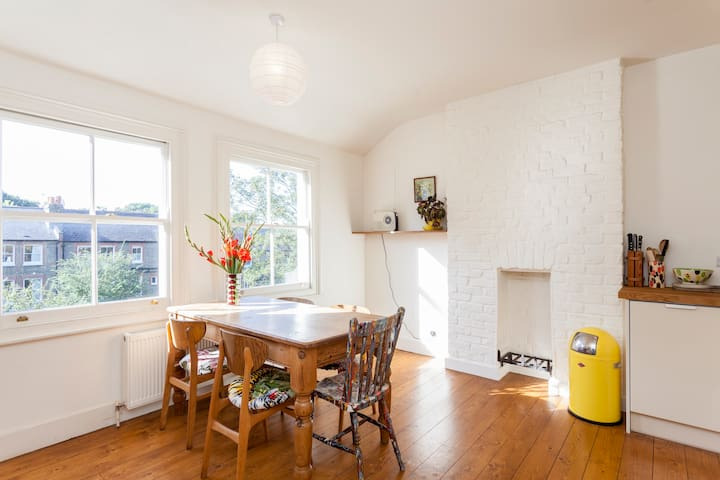 Bright Spacious Flat in Balham - Londra - Appartamento