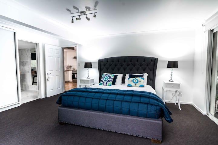 Noosa Hinterland Luxury 2 Bedroom Family Apartment