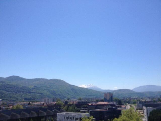 2 pieces vue sur massifs - Saint-Martin-d'Hères - Apartment