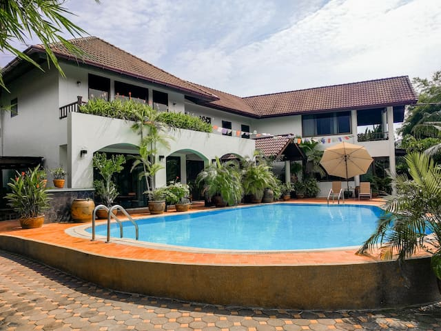Villa Volpi B&B / Near Airport - Tambon Bang Chalong
