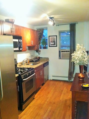 Modern 1 BR Close to EVERYTHING!!!! - Hoboken - Lakás
