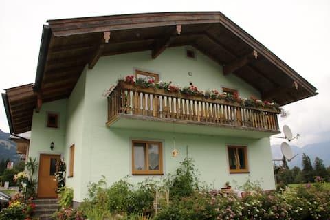 Haus Michaela - Mountains & lakes await you!