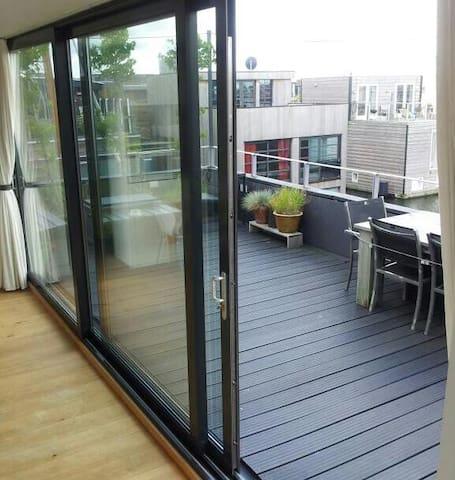 3 large open sliding door windows to the terrace